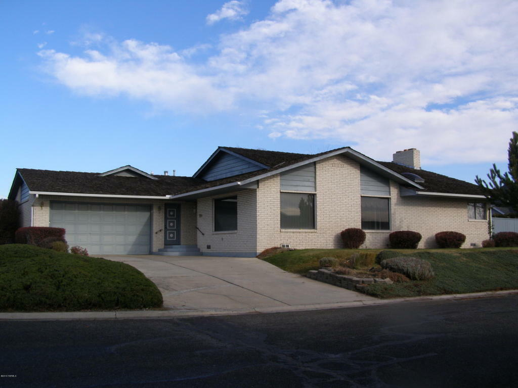 705 S 56th Ave, Yakima, WA - USA (photo 1)