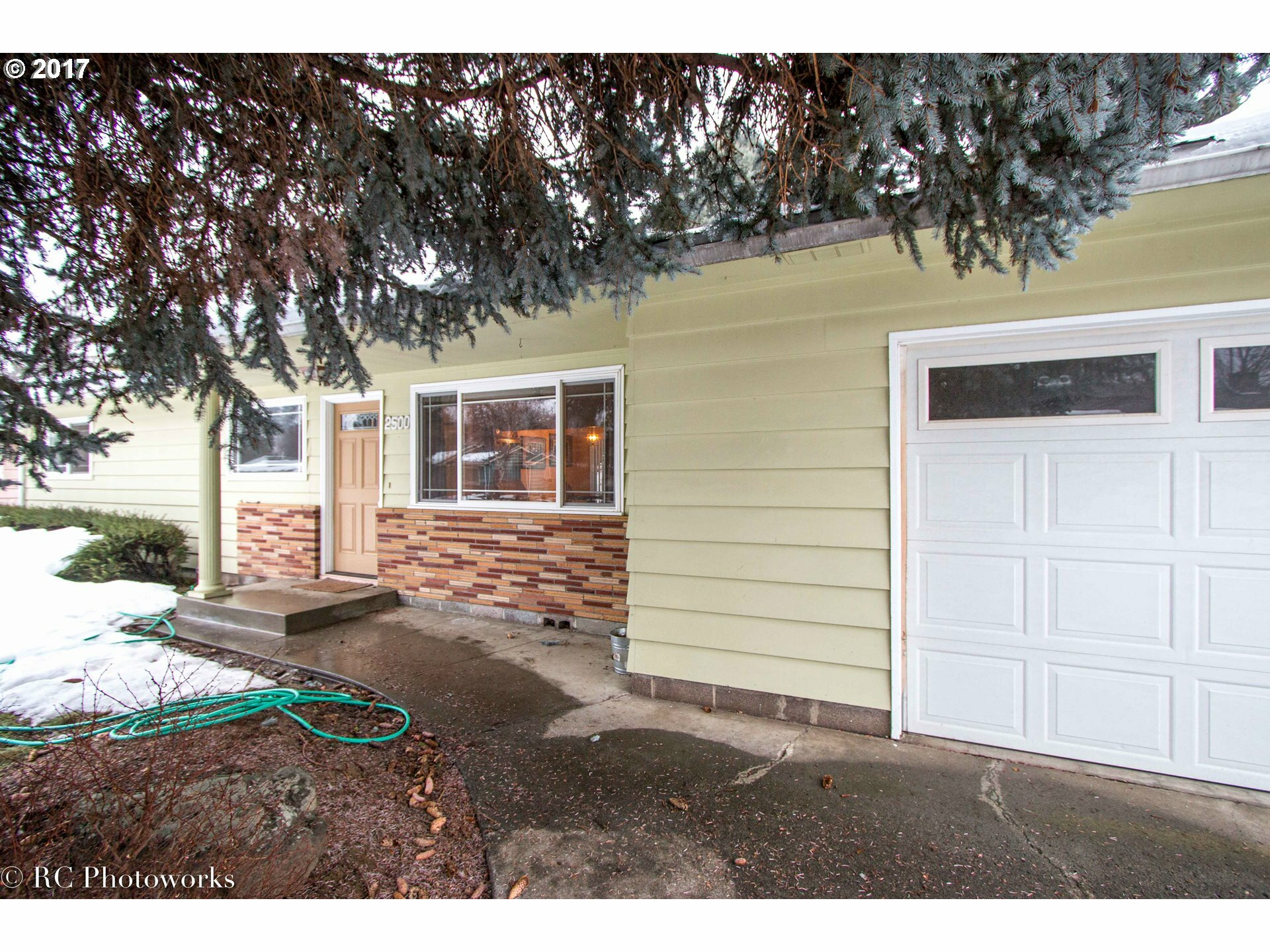 2500 Wright St, The Dalles, OR - USA (photo 2)